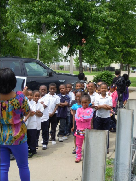 Ms Riddle's K-1 class arrives in the garden
