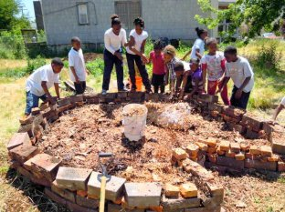 Building a Keyhole Garden at E2L Princeton
